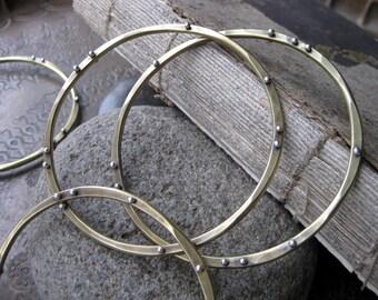 Orbit Bangle Bracelet (one)