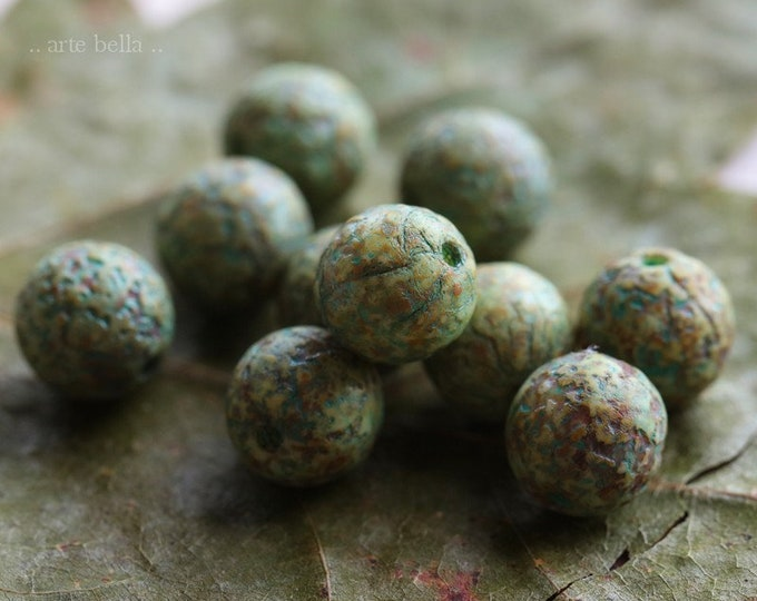 DRAGON EGGS 8mm .. 10 Premium Picasso Czech Glass Etched Druk Beads (7618-10)