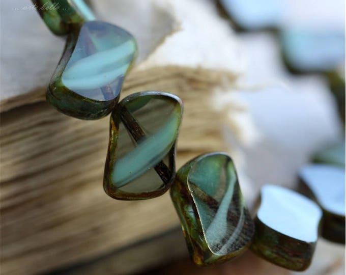 sale .. FLUID No. 3 .. 15 Premium Picasso Czech Glass Beads 12x8mm (B1052-st)