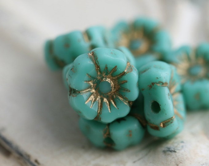 GOLDEN TURQUOISE PANSY 7mm .. 12 Premium Picasso Czech Glass Hibiscus Flower Beads (7943-12)