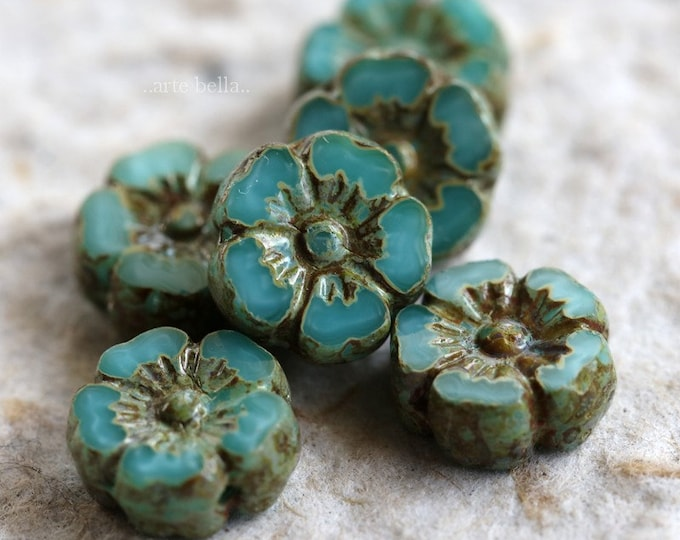 TURQUOISE PANSY 10mm .. 6 Picasso Czech Glass Pansy Flower Beads 10mm (6267-6)