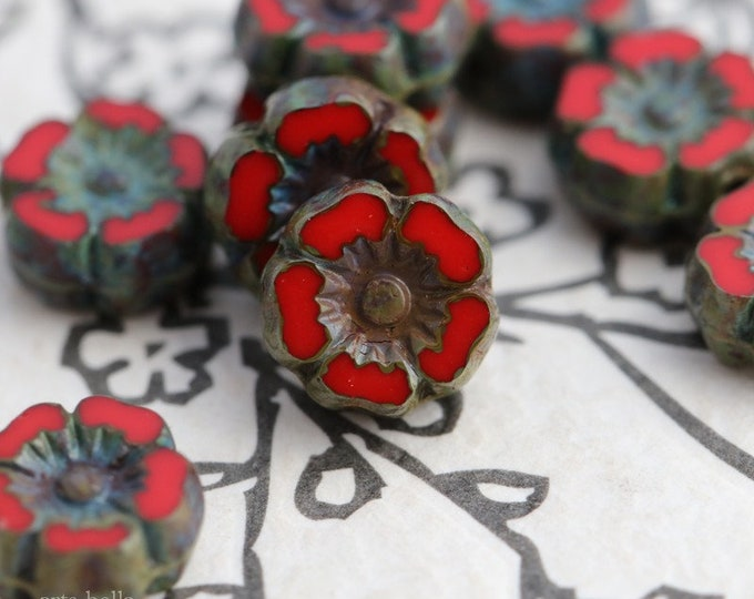 SCARLET RED PANSY 7mm .. 10 Premium Picasso Czech Glass Hibiscus Flower Beads (7949-10)