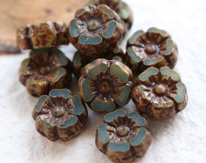 AGED LAGOON PANSY 7mm .. New 10 Premium Picasso Czech Glass Hibiscus Flower Beads (7963-10)