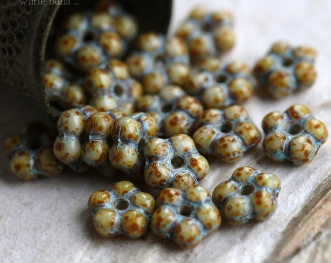 sale .. BLUE CREAM VINCA .. 20 Premium Picasso Czech Glass Flower Spacer Beads 5mm (6345-20)