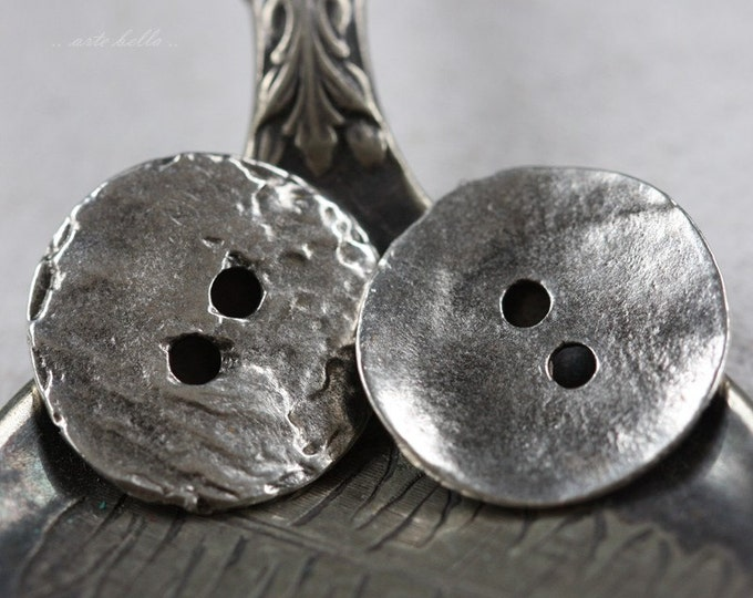 WAVY BUTTON No. 45 .. 2 Mykonos Greek Buttons 16mm (M45-2)
