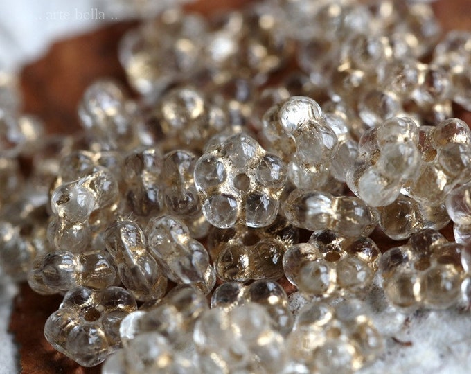 CLEARLY GOLDEN VINCA .. New 50 Premium Czech Glass Flower Spacer Beads 5mm (7267-st)