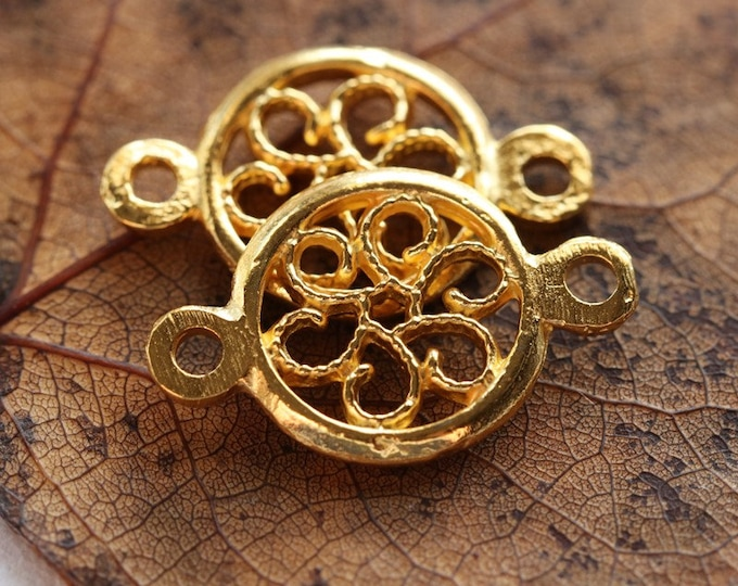 GOLD FLOWER CONNECTORS .. 2 Mykonos Greek Flower Connector 12x20mm (M239-2)