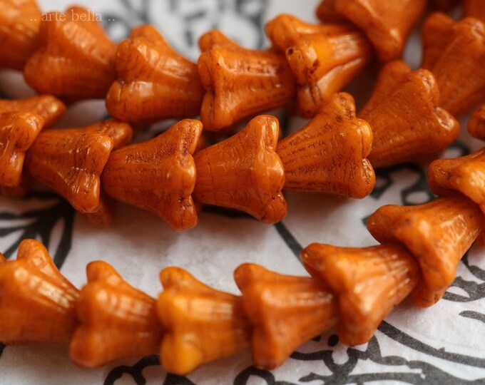 BRONZED ORANGE BABY Bells .. New 30 Premium Czech Glass Bell Flower Bead 5x6mm (7382-st)