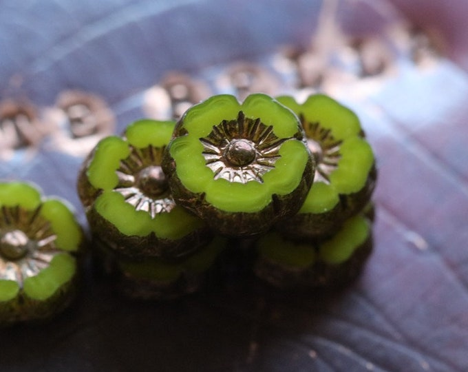 BRONZED LIME PANSY 9mm .. 10 Premium Picasso Czech Glass Hibiscus Flower Beads (7737-10)