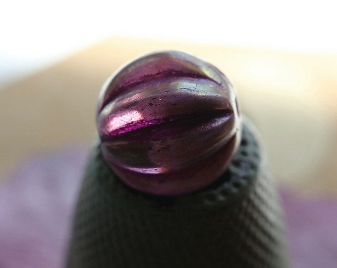 JUICY BOYSENBERRY MELONS 10mm .. 6 Premium Picasso Czech Etched Glass Melon Beads (7861-6)