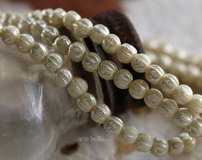 CREAM MINI MELONS .. 50 Premium Czech Glass Melon Beads 3mm (6217-st)