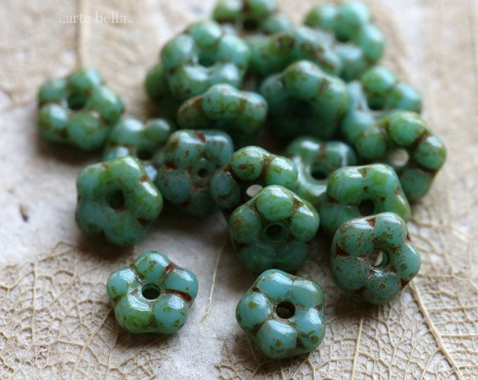 TURQUOISE VINCA .. 20 Premium Picasso Czech Glass Flower Spacer Beads 5mm (6521-20)