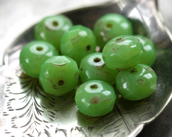 GREEN PASTURE .. 10 Premium Picasso Czech Glass Rondelle Beads 6x8mm (3252-10)