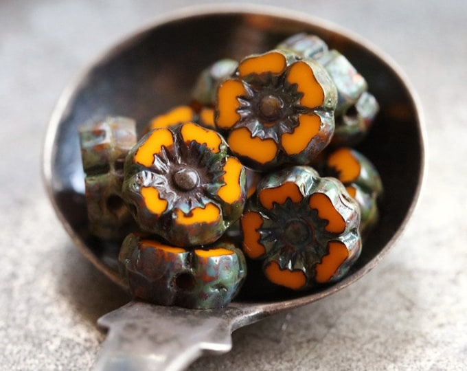 AGED ORANGE PANSY 7mm .. 10 Premium Picasso Czech Glass Flower Beads 7mm (7969-10)