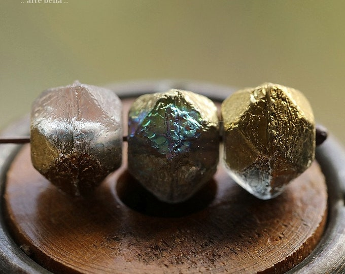 GOLDEN MYSTIC NUGGETS .. New 10 Premium Etched Czech Glass English Cut Beads 10mm (8848-10)