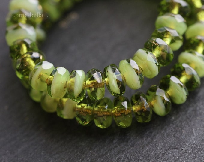 GRANNY SMITH BITS .. New 30 Premium Czech Glass Faceted Rondelle Beads 3x5mm (7374-st)