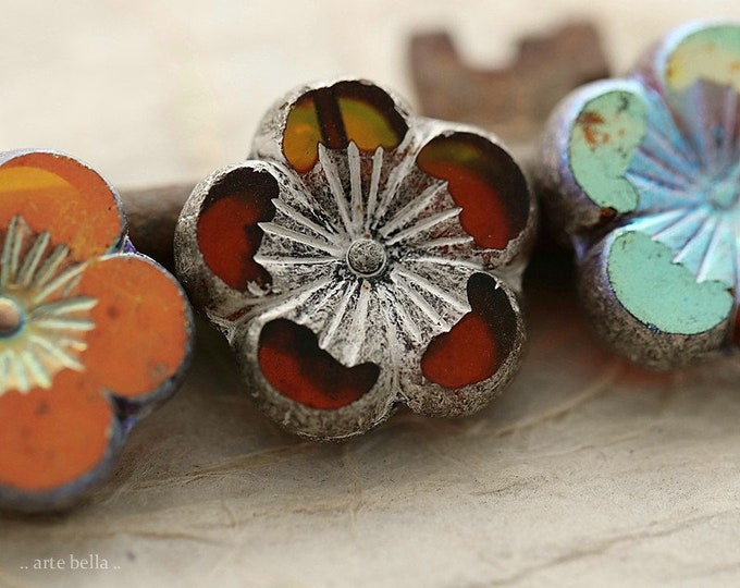 MYSTIC SILVER BLOOMS .. New 2 Premium Rustic Czech Glass Hibiscus Flower Bead 21mm (8943-2)