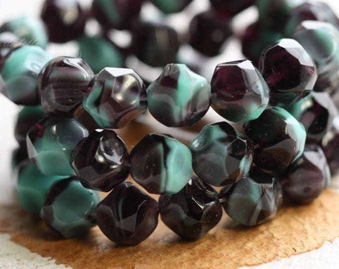 last ones .. MAJESTIC NUGGETS No. 1 .. 15 Czech Glass Baroque Beads 8mm (B7002-st)
