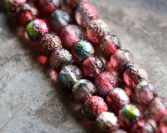 MYSTIC RASPBERRY DRUKS .. 25 Premium Etched Czech Glass Druk Beads 6mm (8222-st)
