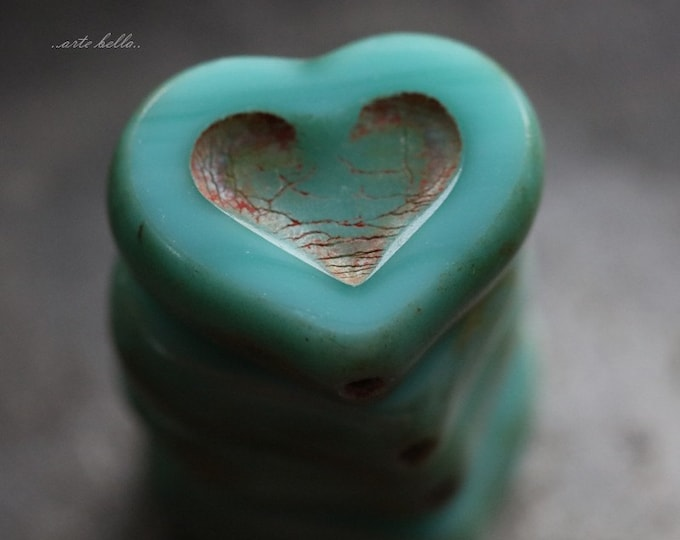 TURQUOISE THUMPER .. 4 Premium Picasso Czech Heart Beads 14x12mm (5670-4)