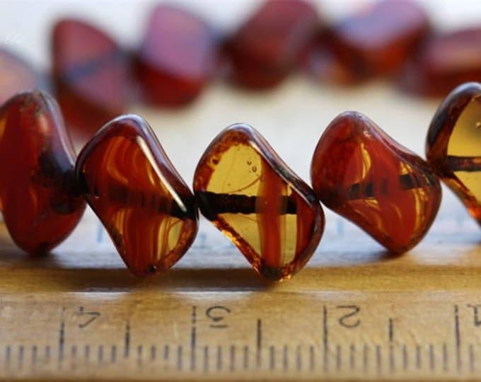 sale .. MOLTEN No.2 .. 15 Picasso Czech Glass Beads 12x8mm (B1053-st)