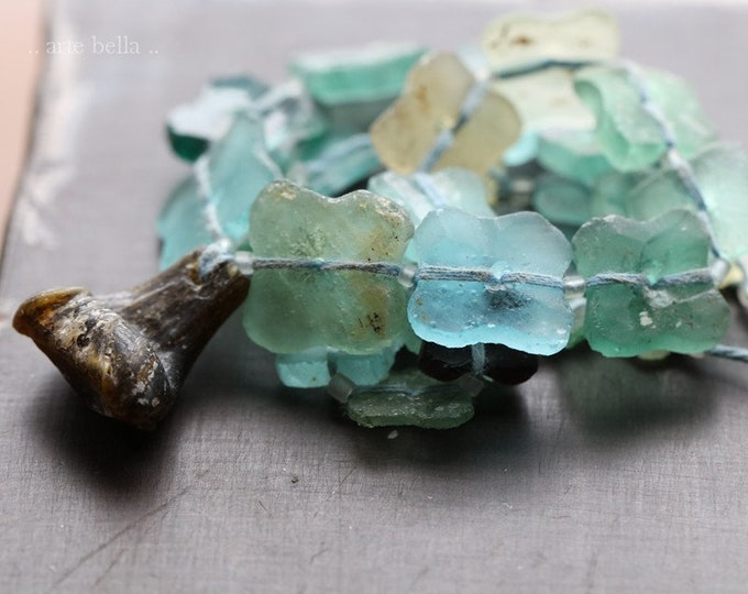 ANCIENT ROMAN GLASS Beads No. 424 .. Genuine Antique Ancient Roman Glass Butterfly Flower Beads (rg-424)