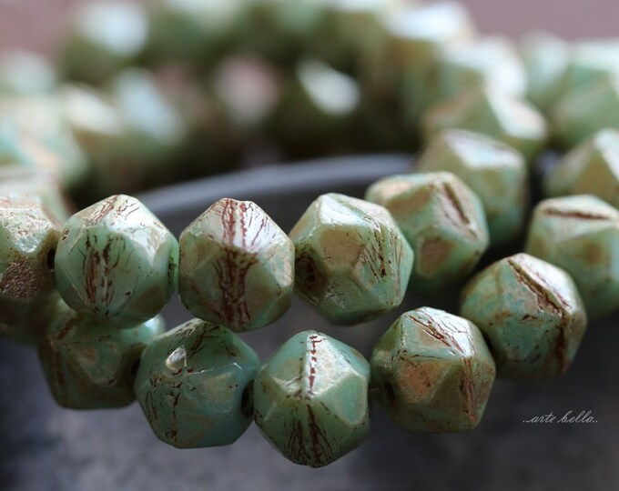 MINT MAGIC NUGGETS 8mm .. 20 Picasso Czech Glass Faceted English Cut Beads 8mm (5219-st)