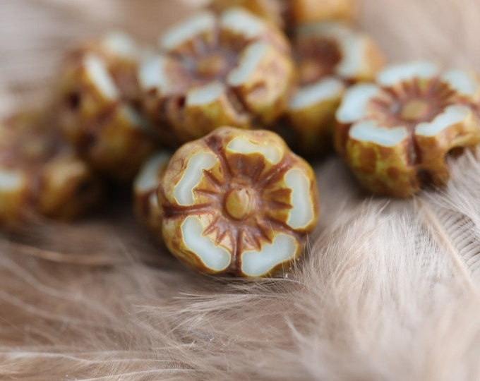 CARAMEL MIST PANSY 7mm .. 12 Premium Picasso Czech Glass Hibiscus Flower Beads (7942-12)