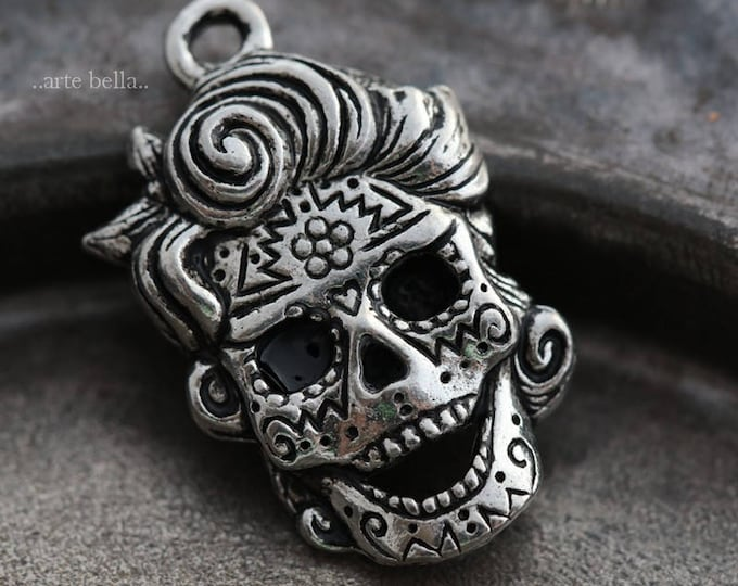 sale .. MARILYN .. 1 Mykonos Greek Sugar Skull Pendant/Charm 21x15mm (M159-1)