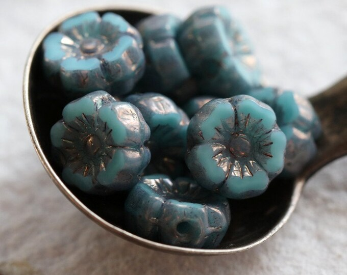 PLUM TURQUOISE PANSY 7mm .. 12 Premium Picasso Czech Glass Hibiscus Flower Beads (7960-12)