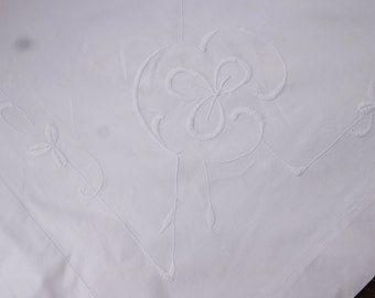 irish linen embroidered  tablecloth36x36 inches