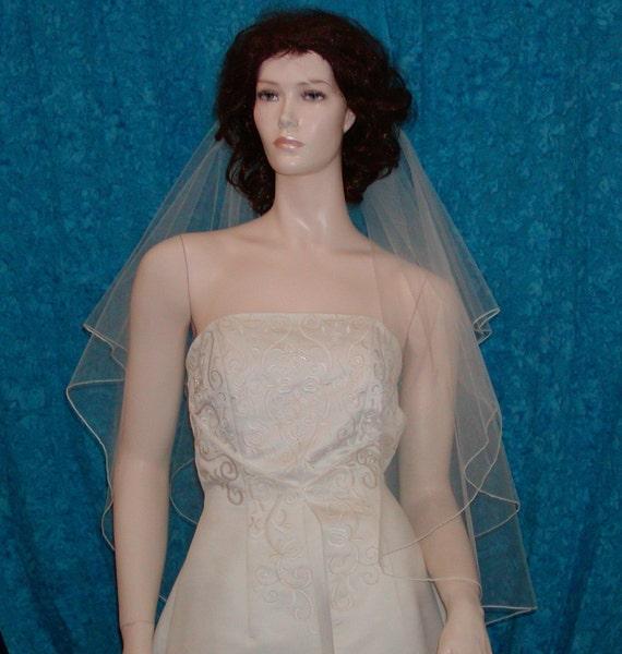 2 tier circle cut wedding bridal veil mid length with pencil edge