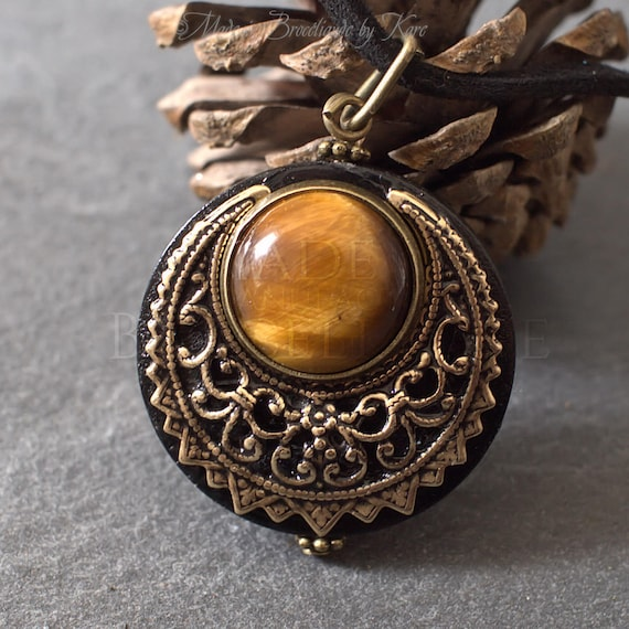 Amulet Protection Necklace Pendant Lleuad Tiger/'s Eye Moon Wicca Wood Brass Gemstone Pagan Triple Goddess