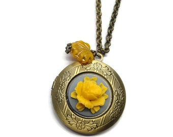 Floral Locket-Flower Pendant-Brass Picture-Layering Necklace-Vintage Style-Antiqued Bronze Jewelry-Mustard Necklace-Memorial Necklace-Unique