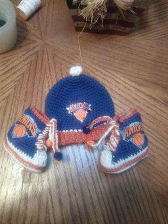 Baby booties with Matching Hat New York Basketball Team