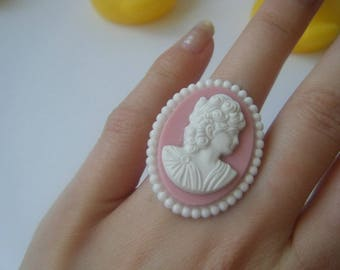 Cameo ring romantic pink and white ♥ ♥ ♥