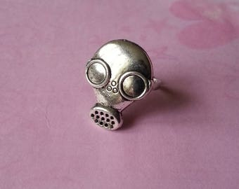 Ring - Silver gas mask