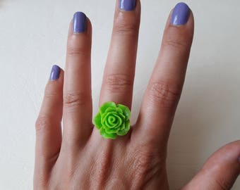 Green rose ring with glitter