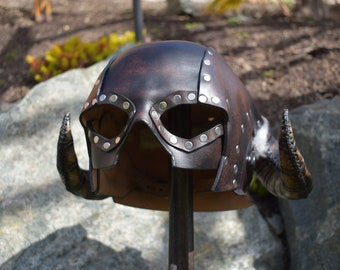 Leather Skyrim horned Iron helmet