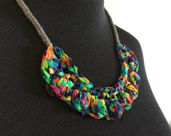 Berry Burst Necklace Decor