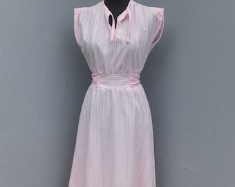 Vintage 1970s Pink Day Dress, Super Cute Career or Academia, Summer Fashion, Cap Sleeve