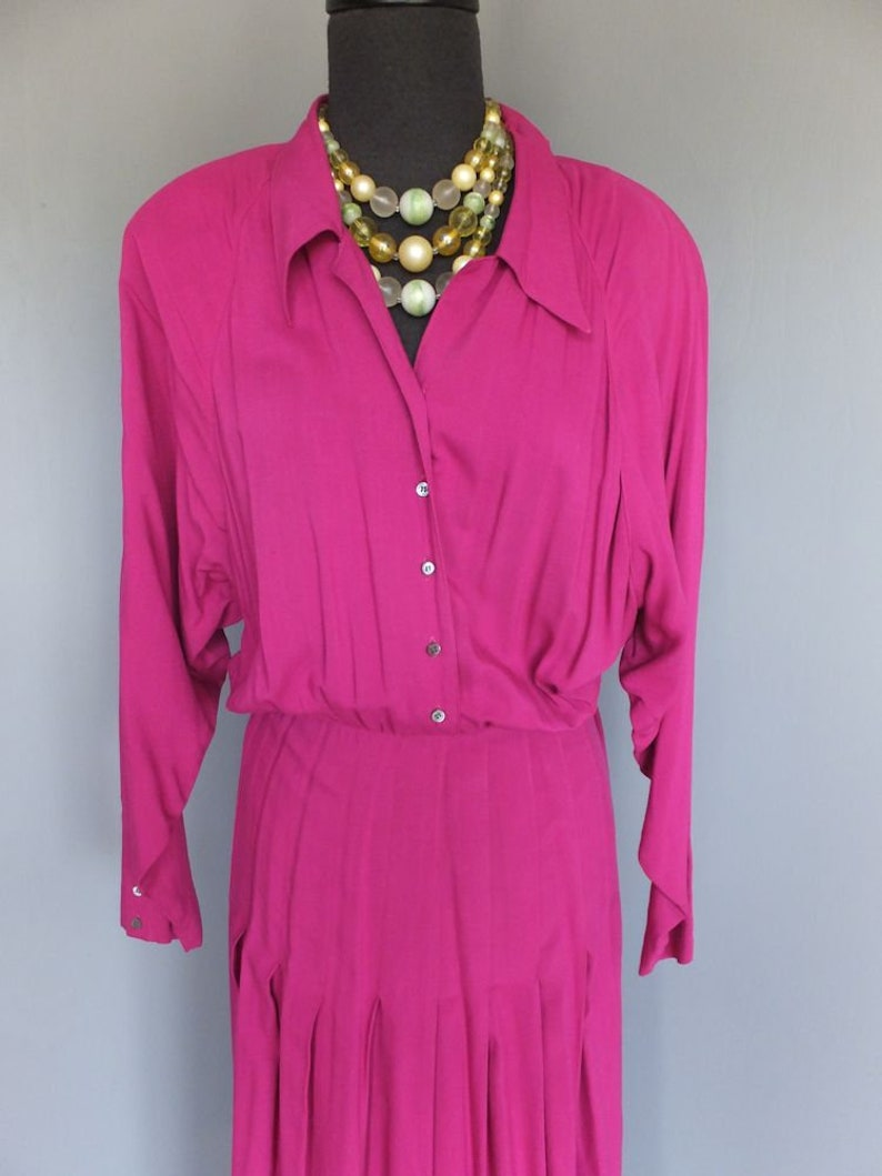 Dolman Sleeves Size 8 Vintage  1980s Nicole Miller Dress Fuschia Fitted Waist Shoulder Pads Pleated Skirt