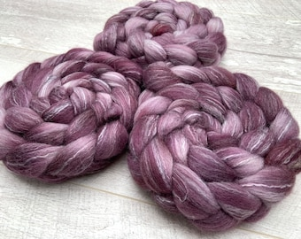 100g corriedale Polwarth Rose hand dyed fibre roving combed tops. UK