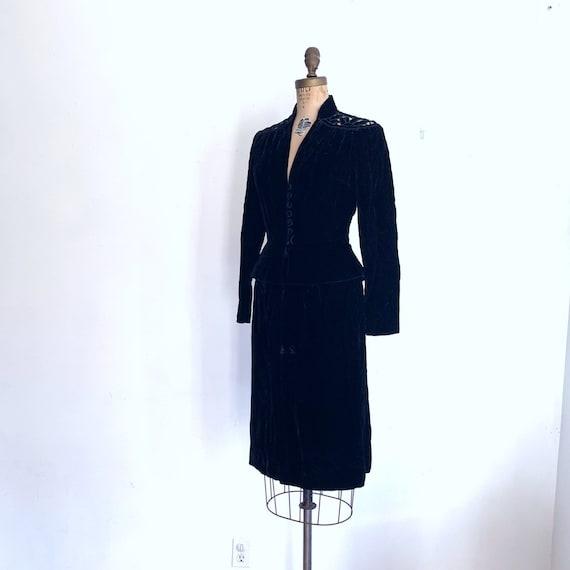 Noir Black Velvet Suit / Vintage Peplum Skirt Sui… - image 8