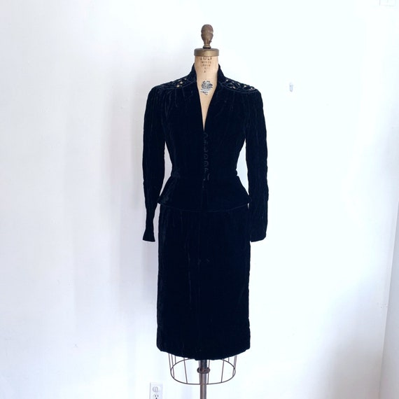 Noir Black Velvet Suit / Vintage Peplum Skirt Sui… - image 2