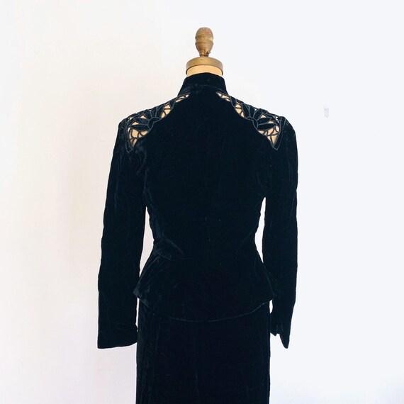 Noir Black Velvet Suit / Vintage Peplum Skirt Sui… - image 10