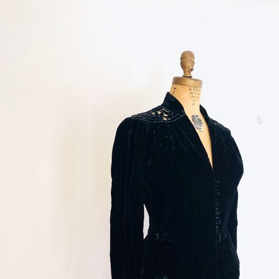 Noir Black Velvet Suit / Vintage Peplum Skirt Sui… - image 6