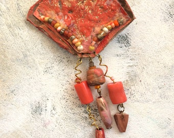 Living Coral fan brooch upcycled artist palette