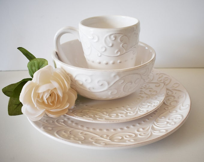 American Atelier Bianca Scroll White Mug