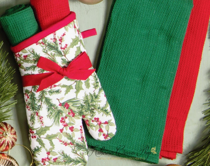 Holly Berry Oven Mitt Gift Set